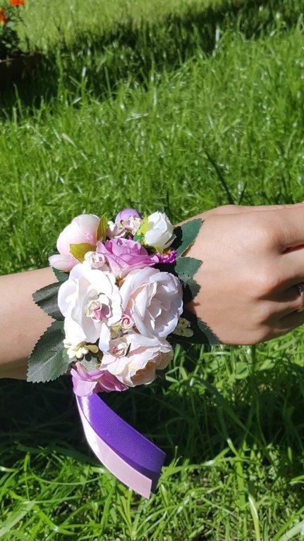 Mākslīgo ziedu aproces