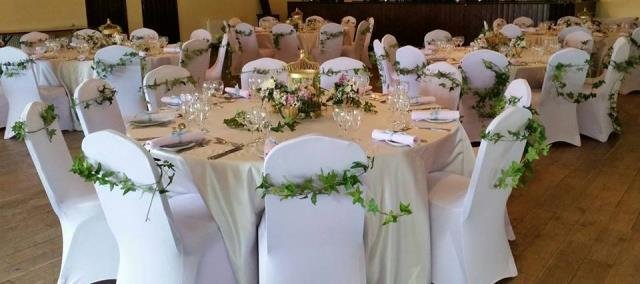 Balti krēslu pārvalki, elastīgi (pieejami arī melni)