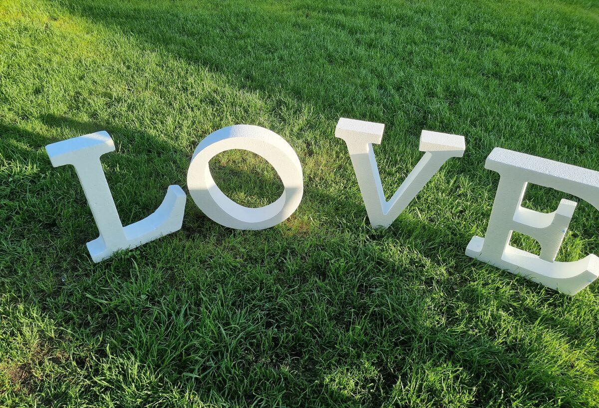 LOVE, lielio burtu komplekts