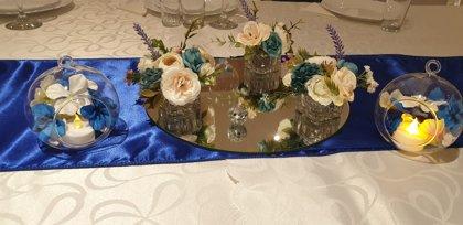 Galda dekoru komplekts, ar spoguļu paliktni, svečturiem + stikla bumbām